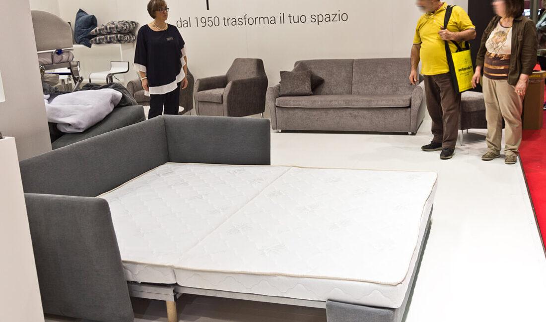canapea extensibila 2 persoane